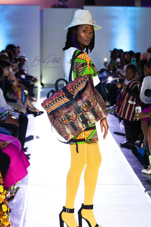 Look4withsackpack.jpg