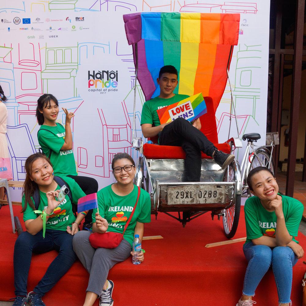 Thành viên FOI tham gia sự kiện Hanoi Pride