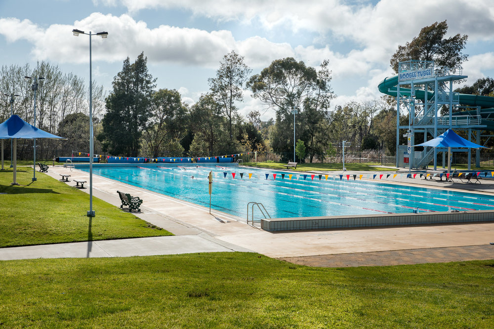 ...And send the kids down the awesome water slide. - Great place to chill with your family on a hot Bendigo Day. Just across the road from the Oval Motel.