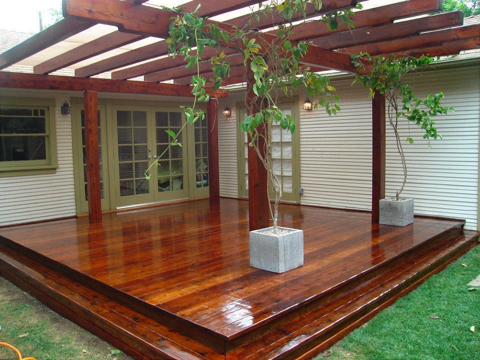 Los Angeles Pergola repairs and refinishing