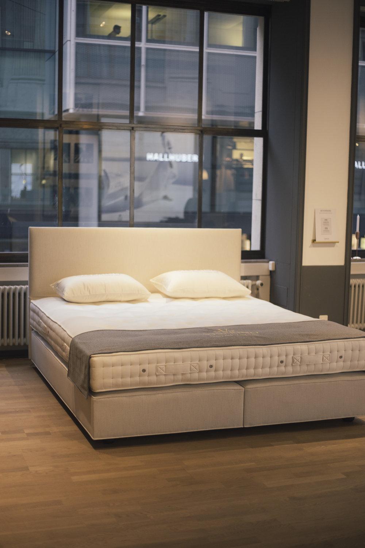 VISPRING DEVONSHIRE - Inkl. Kopfteil MusesGrösse 180x210Showroom-Preis 7.790 CHF