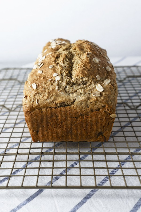 IRISH FARMHOUSE-STYLE BROWN BREAD
