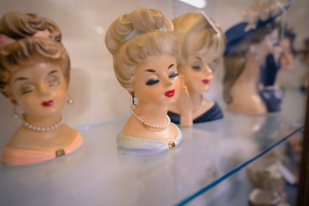Antique ladies in a shop in South Carolina (click to enlarge).