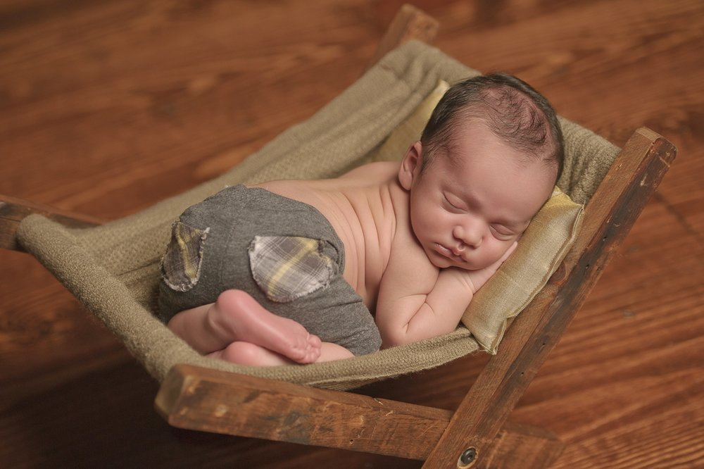 CHICAGO-BEST-NEWBORN-PHOTOGRAPHER-SRI-JANA-8.jpg