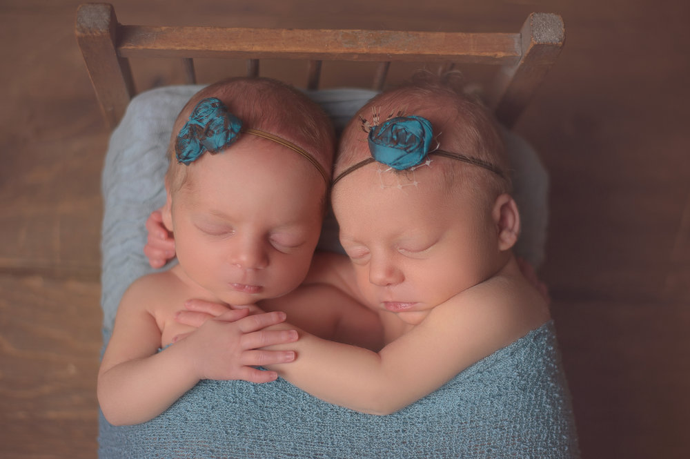 best-twins-chicago-newborn-photographer