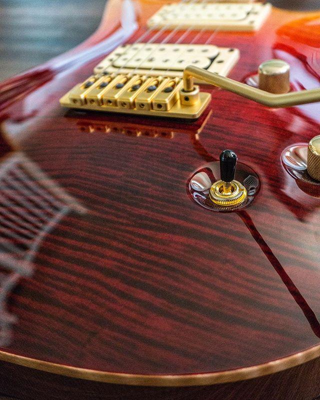 The good wood 👀 #kieselguitars #guitarporn #guitar