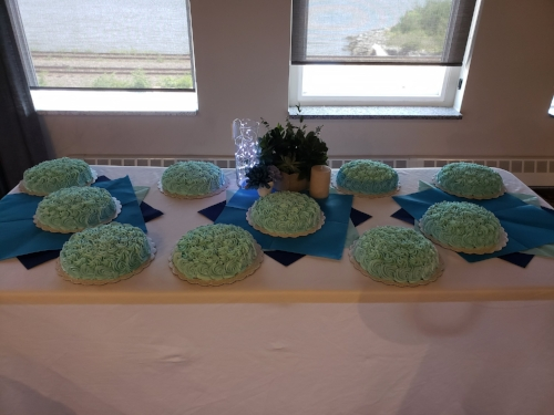 Individual wedding party cakes