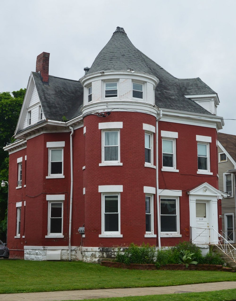 Anneke Arms    - 309 West 8th St. Erie, Pa 16502. This property is located in the Presta District. This well maintained home is located one block from Gannon University and provides a comfortable atmosphere. This property is ideal for any student who desires integral living in an off campus environment.