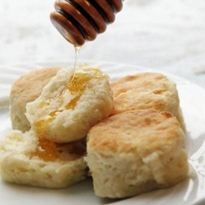 buttermilk-biscuits-2-dozen.9c5cd75cb3c2b5b47a8137afb6e4228d.jpg