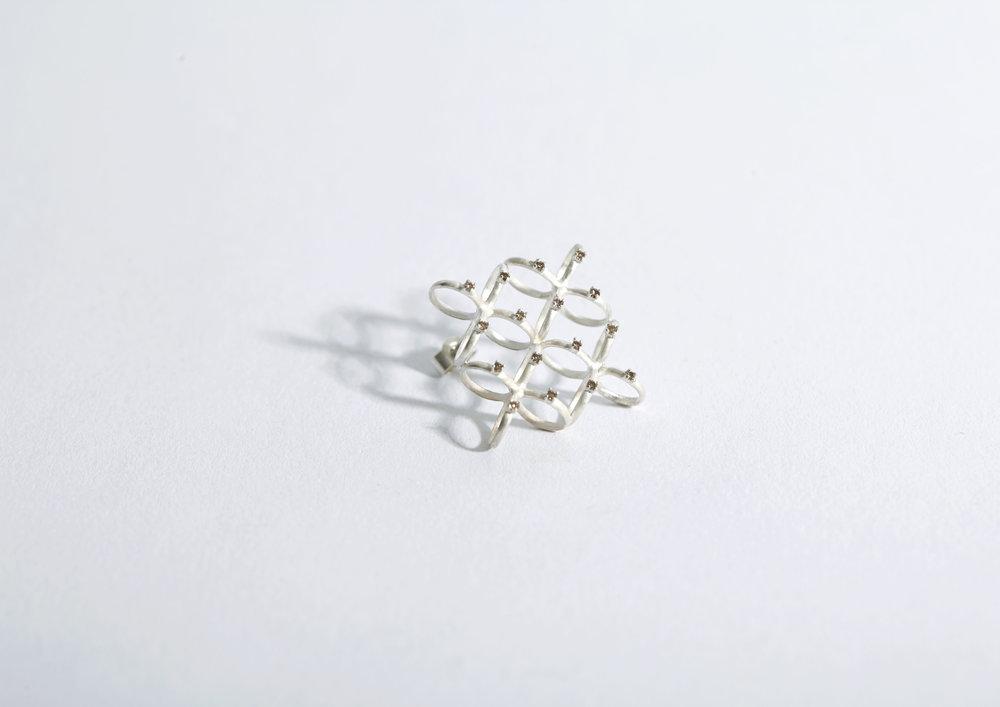 20102  | Earring Silver, 1mm Brown Diamonds