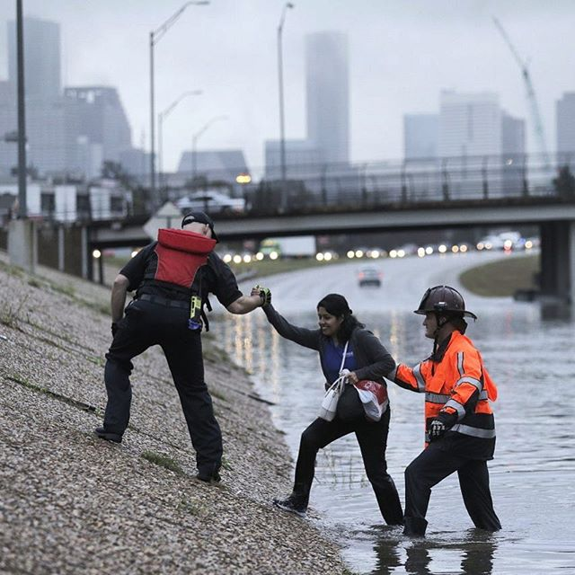Pray for Houston 🙏🏾 | #hurricaneharvey #floods #texas #recordbreakingrain #50inches #tropicalstorm