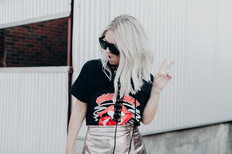 Dressing Up a Graphic Tee