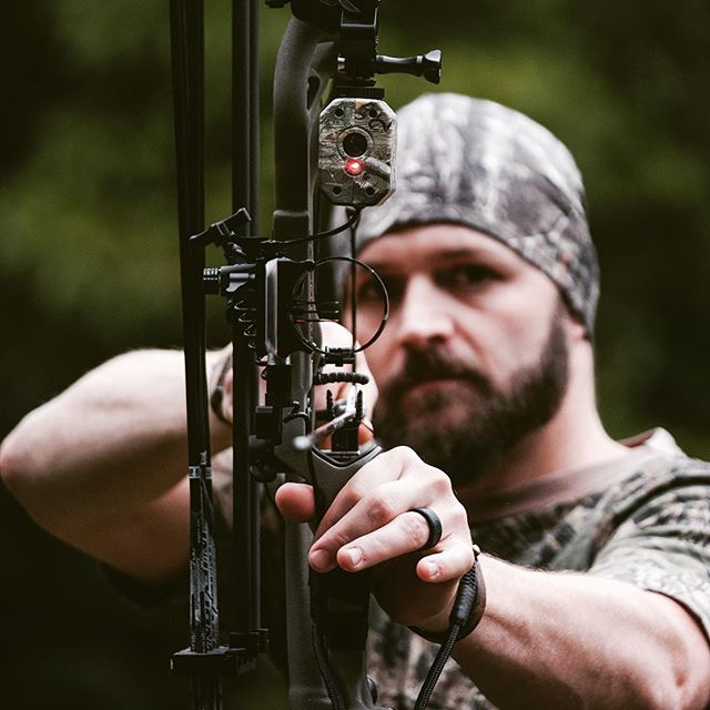 Who else is hitting that late season hard!? #bowhunters #bowhunter4life #bowhuntordie #bowhuntingwhitetails #getavyd