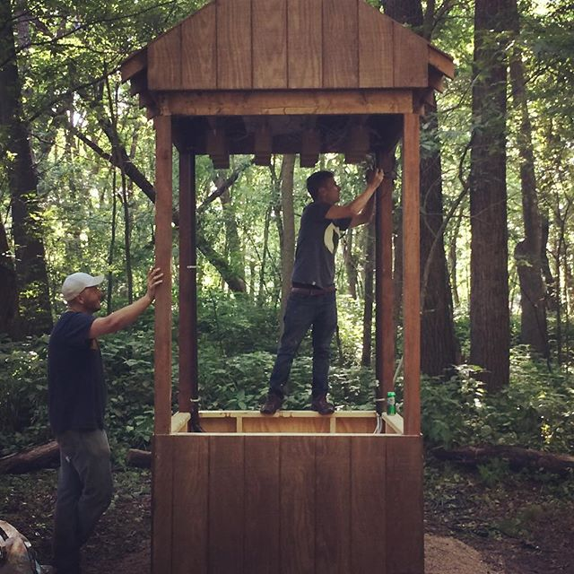 We're vertical. #eauxclaireswi #soundsculpture #fluidprocess #soundart #installationart #interactiveart #sculpture #eauxclaires #troix #watermusic #throughthewire #pickupmusic #eauxclaires