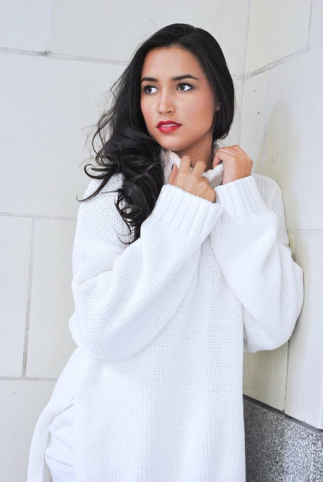 White-Sweater-1_pp1.jpg