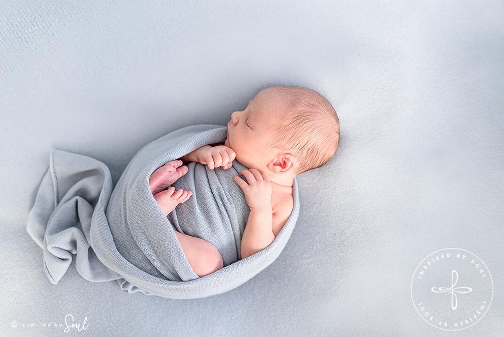 newborn baby photographer hobart