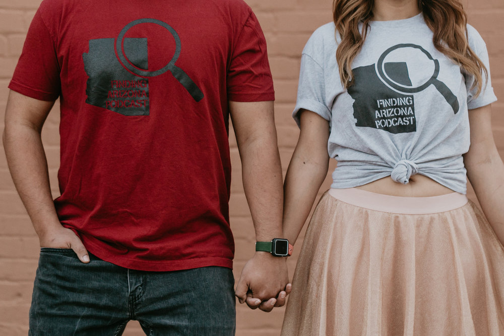 photoshoot couples arizona phoenix love  https://www.findingarizonapodcast.com/finding-az-engagement/