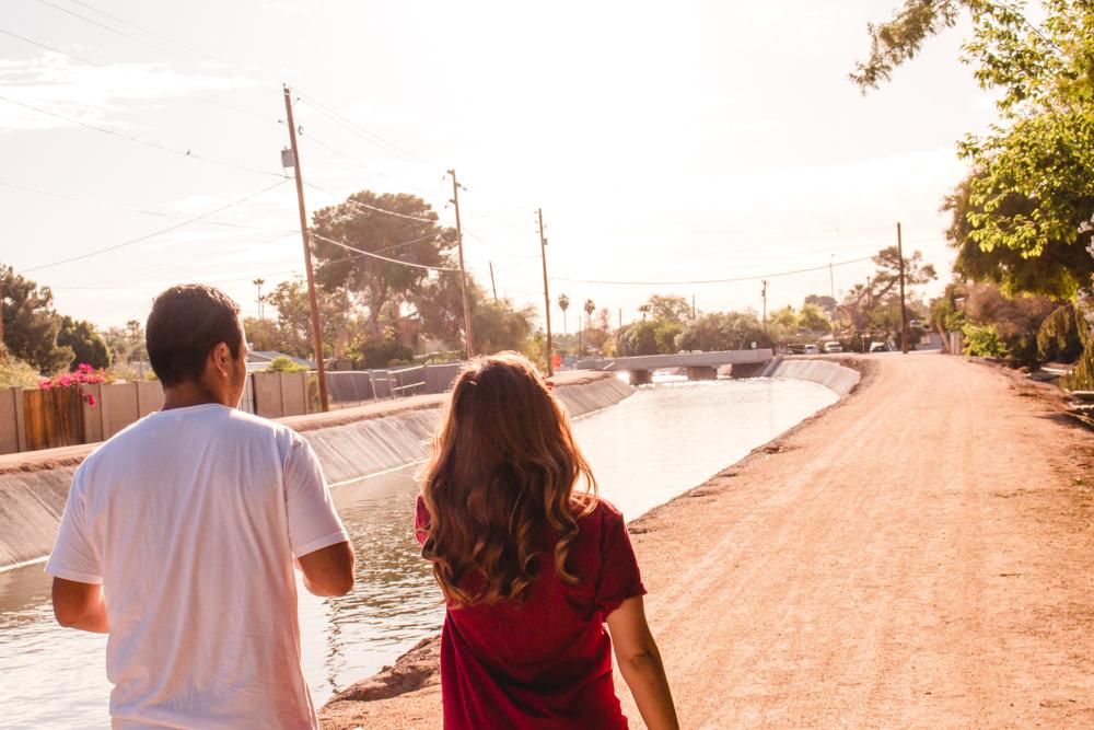 couples photoshoot arizona phoenix love  https://www.findingarizonapodcast.com/finding-az-engagement/