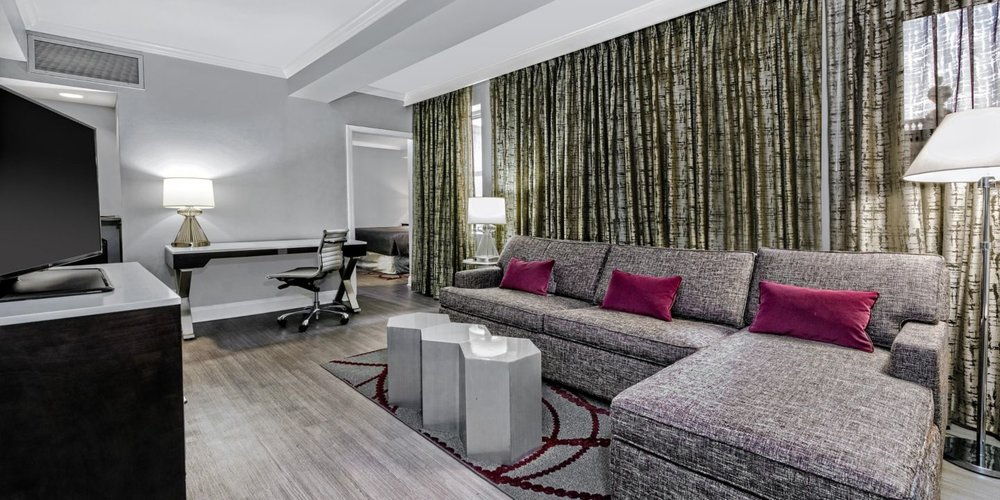 hotel-indigo-dallas-5110842698-2x1.jpg
