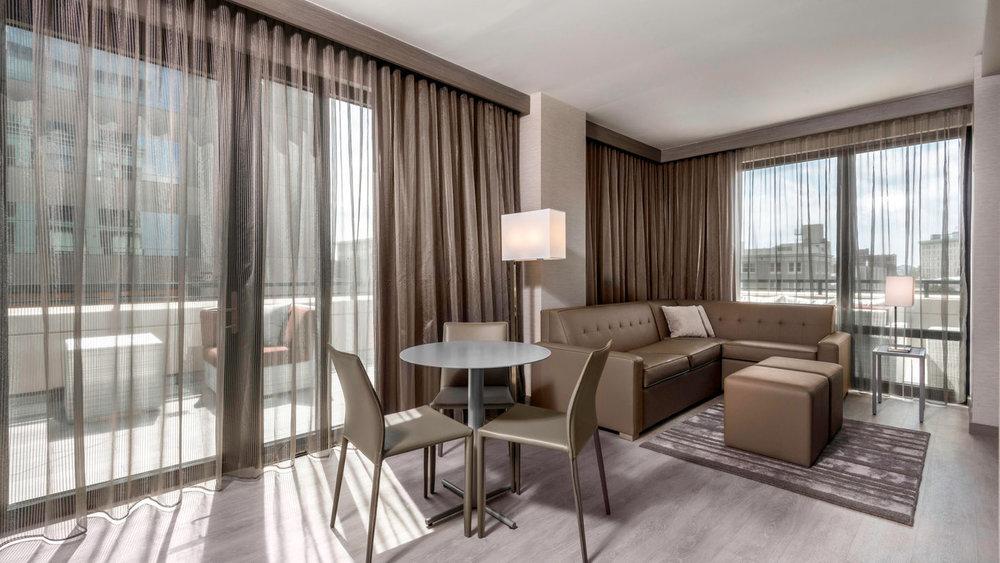 avlac-guestroom-0009-hor-wide.jpg