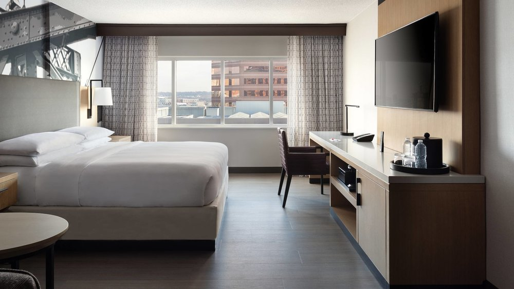 cvgdr-guestroom-4180-hor-wide.jpg