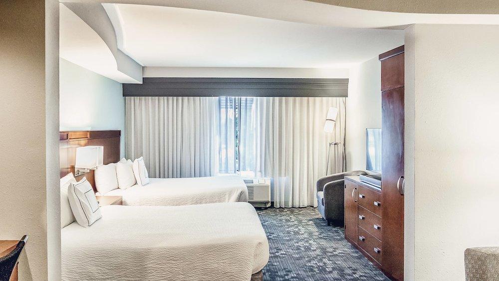 satnb-guestroom-0059-hor-wide.jpg