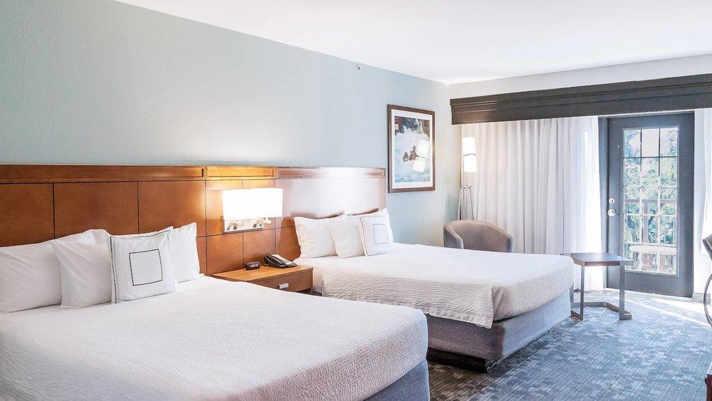satnb-guestroom-0060-hor-wide.jpg