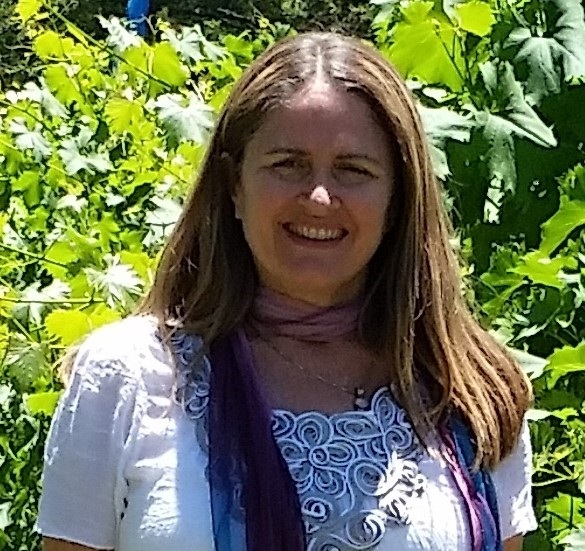 CHRISTINE STRAUSS, RESILIENCE COACH - Christine holds a Masters of Art Therapy from the University of Western Sydney and a Diploma of Counselling and Communication from the Australian College of Applied Psychology. She is also a registered Art Therapist with ANZACATA.Christine has been working with children and families for the past 19 years in Child Development, Family Support, Homelessness Program and Art Therapist roles. She has helped children work through everyday challenges such as stress and how to manage big feelings, to complex issues such as anxiety and depression, grief and loss and other mental health issues.Christine enjoys working creatively with children and is committed to helping them find ways to flourish and thrive.