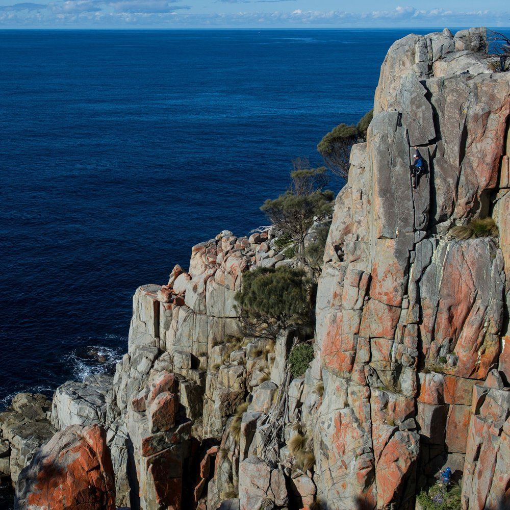 Rock climbing in Tasmania - Freycinet Sea Cliffs