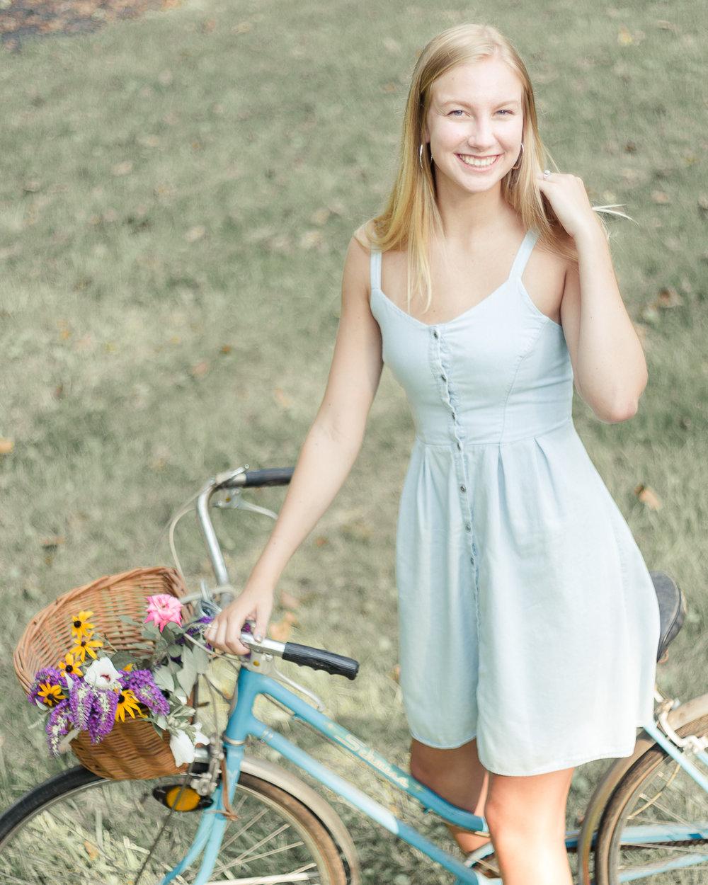 Hanover High School portrait - Claire - photographer Stacie Marshall