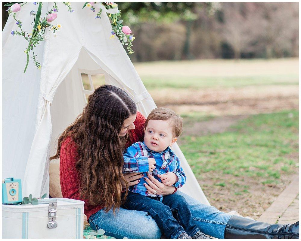 Richmond Family Photographer - Teepee at Byrd Park