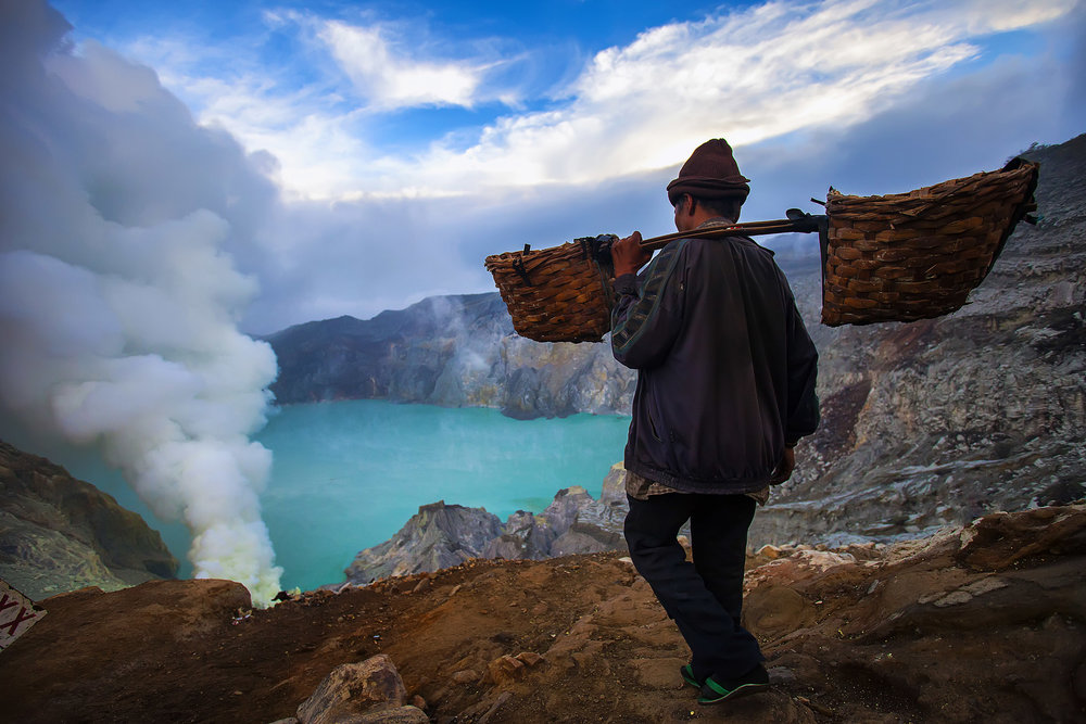 Jawa Timur - Explore east Java, climb two volcanoes and see blue fire, a natural spectacle when sulphuric gases mmix with air