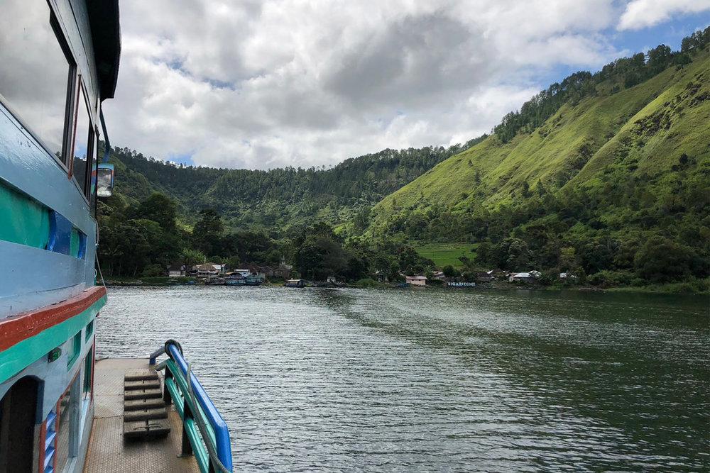 Lake Toba 02.jpg