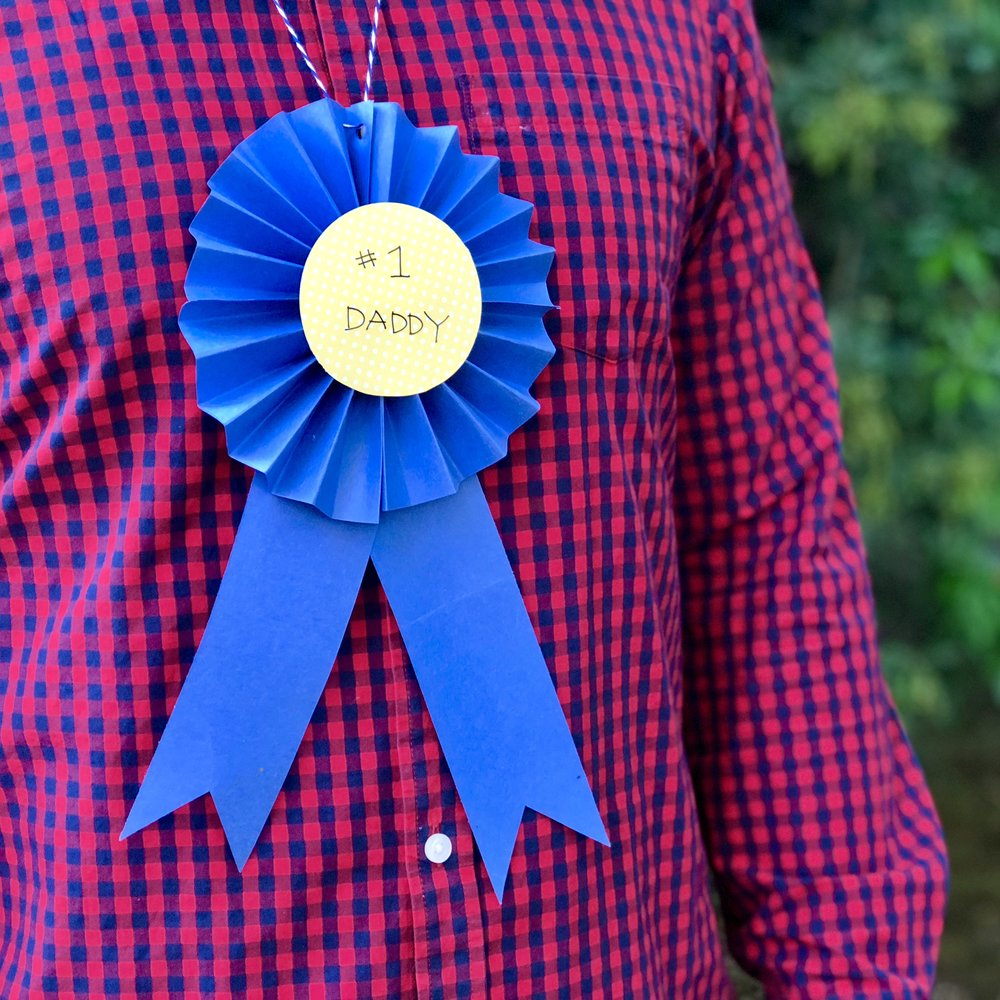 Daddy Award Ribbon - Some things are just easier to show than tell. Watch the short video below to see how it's done!