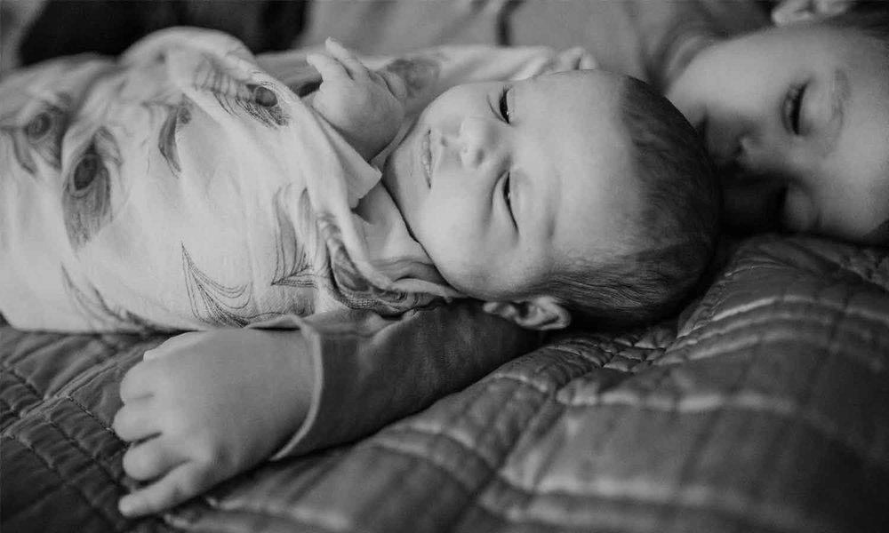 neugeborenenfotografie-zürich-babyfoto-schweiz_glowingtribe.com.jpg