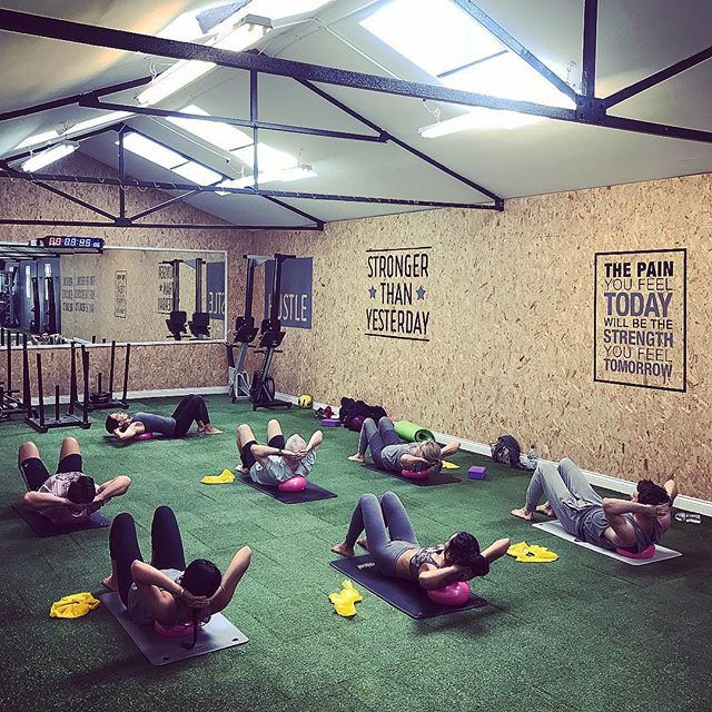 Pilates. 🧘🏽♀️ • We run Pilates as a supplementary class to all our training memberships. Mobility is a limiting factor in most people's training program. 👌 • Pilates can help improve flexibility, stability and core strength. 🧘🏽♀️ • ▫️ ▫️ ▫️ ▫️ ▫️ #SilvermereFit #Cobham #Whey #Fitness #Results #Training #Strength #Esher #Surrey #Silvermere #Protein #Fit #Cardio #Abs #Progress #Sweat #Lift #Squat #Chelsea #Health #Wellness #Nutrition #Fitfam #Gyms #Technique