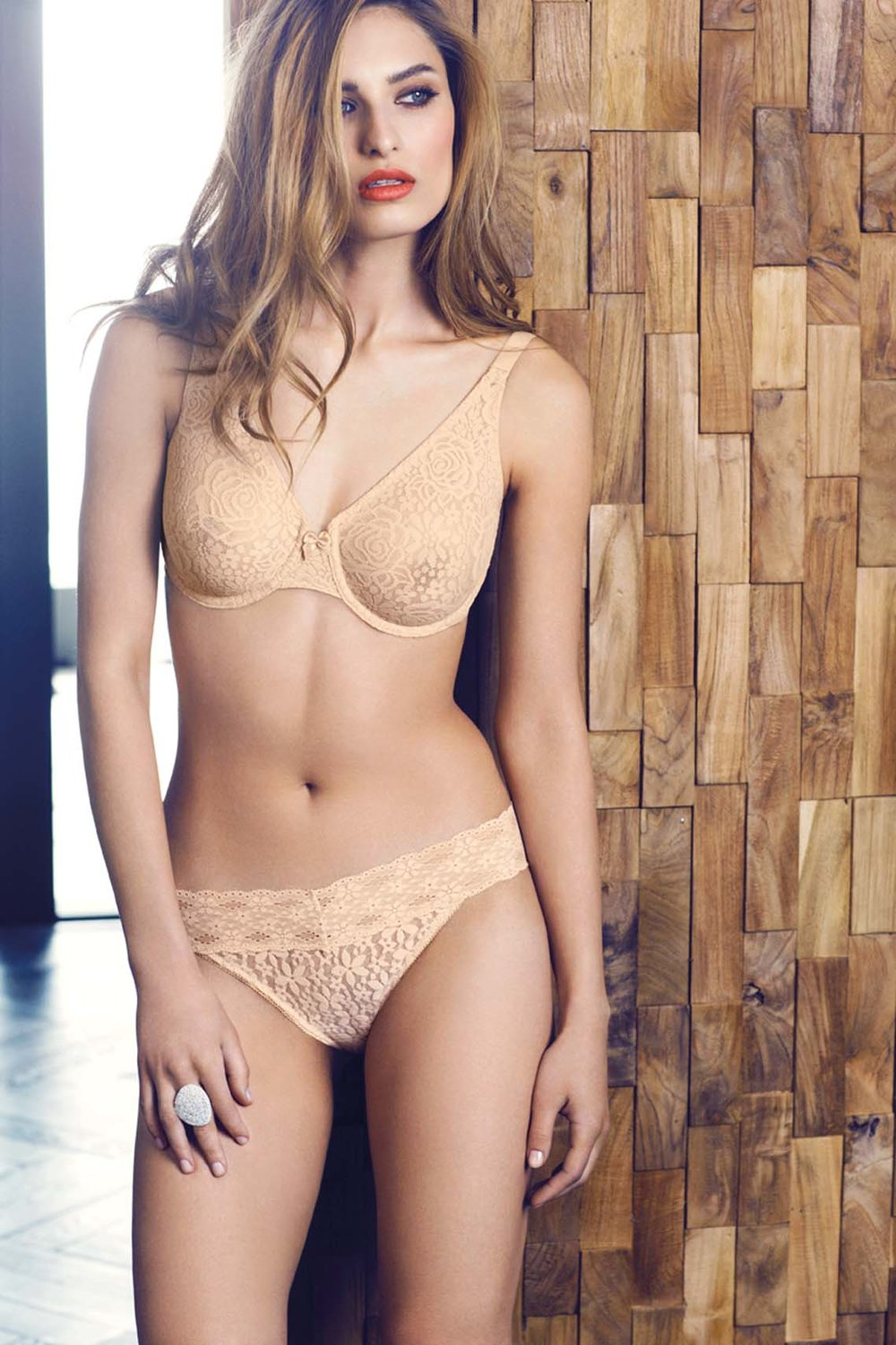 WACOAL-LINGERIE-HALO-LACE-NATURALLY-NUDE-MOULDED-UNDERWIRE-BRA-WA851205-HALO-THONG-WA879205-CONSUMER-WEB-SS16 (1).jpg