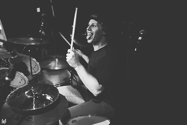 MEET THE BAND // Introducing the newest member of the Sneaky Pete fam: Andrew Keehn! Come catch his #SPSW debut at our Dec 29th @the.mangy.moose show! - • From Philadelphia, PA • Graduate of University of Vermont • Mountain Bike Guide in Summer / Jackson Hole Sports in Winter • Started drumming in 6th grade and started a band with his brother, musically evolving with punk rock   alt rock   reggae/rock   jazzy/blues/alt rock • Favorite Cereal: Cap'n Crunch Berries / Fruity Pebbles