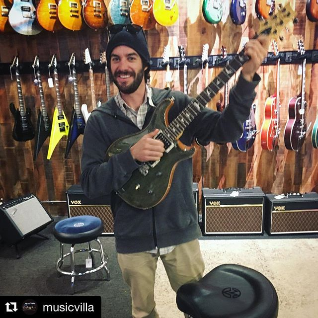Quick visit to our favorite music store in the #mountainwest, @musicvilla.  Come hear this bad bad axe tonight at the #KnottyPine Supper Club, #Victor, #ID with @partygrassmusic. • • •  #Repost @musicvilla ・・・ Jack Tolan with new(used) PRS CE24... his band, @secretweaponsmusic playing at the Filler!!