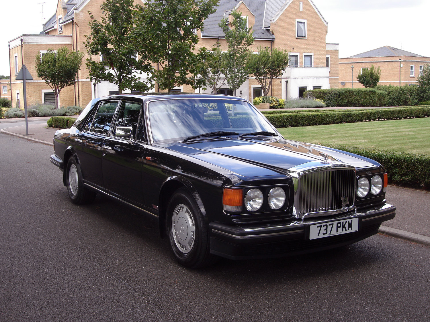 The Bentley Chauffeur Chauffeur - Bentley chauffeur