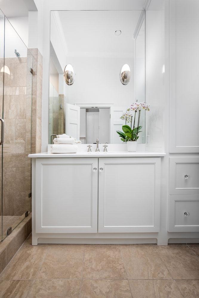 custom-built-bathroom-vanity.jpg