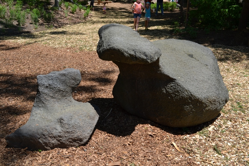 Southport rocks (800x533).jpg