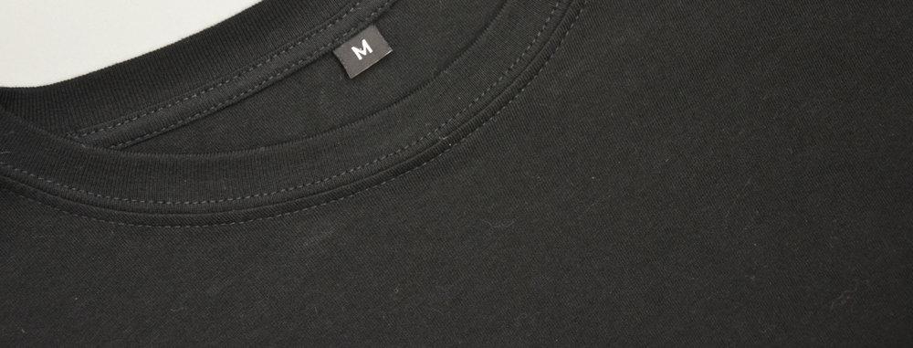 - Olemme eritelleet tälle sivulle tuotevalikoimassa olevat vaatteet, joiden niskasaumassa vain kokolappu.