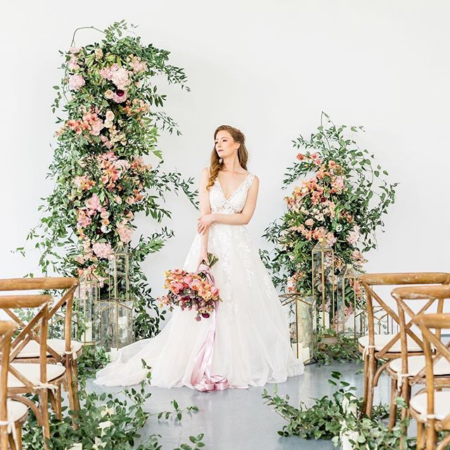 Our beautiful editorial shoot got published on @elizabethannedesigns 🙌🏻 I feel so incredibly lucky to have been able to work with such an amazing group of creatives for this shoot. Everything came together so beautifully 😍 Link in bio . . Photography: @kasiajurowskiphotography  l Venue: @at_theagh | Event Planning: @suegallodesigns | Floral: @suegallodesigns | Stationery: @all_thats_lovely | Wedding Cake: @thedessertroom | Rentals: @specialeventrentals | Linens: @simplybeautifuldecor | Hair and Makeup: @teasedbridal | Signage: @aspecialprint | Styling: @suegallodesigns | Bridal Salon: @bestforbrides | Bride's Shoes: @lechateau | Submitted via: @matchology  #elizabethannedesigns #eadweddings #matchologymade #aislesocietyblogger #elegantwedding #instawedding #weddinginspo #weddingideas #weddinginspiration #weddingdecor #instabride #weddingceremony #weddingideas #weddingdetails #canadawedding #suegallodesigns #ohwowyes #weddingflowers #flowergram #instaflower #torontophotographer #torontoweddings