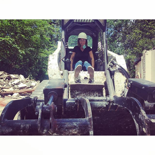 #crushingitatwork 😂 🛠🔨‼️🏚🏚🏚🏚🏚🏚🏚🏚🏚🏚🏚🏚🏚🏚🏚🏚 #demo #bulldozer #bulldozing #demolition #househunting #homedesign #flipgamestrong #blueprintgroups #brokerage #orlandoliving #realestateinvestor #remodel #remodeling #realtor #househunting #homedesign #flipgamestrong #orlandoliving #remodel #remodeling #realtor #l4l #f4f #flip #florida #orlando #renovate #redo #realtor #realestate #demoday #orlandorealestate #homerenovation @fyi @AEtv @pilgrimmediagroup