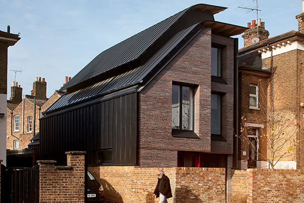"<p class=""resident"">Liddicoat & Goldhill</p>Architects"