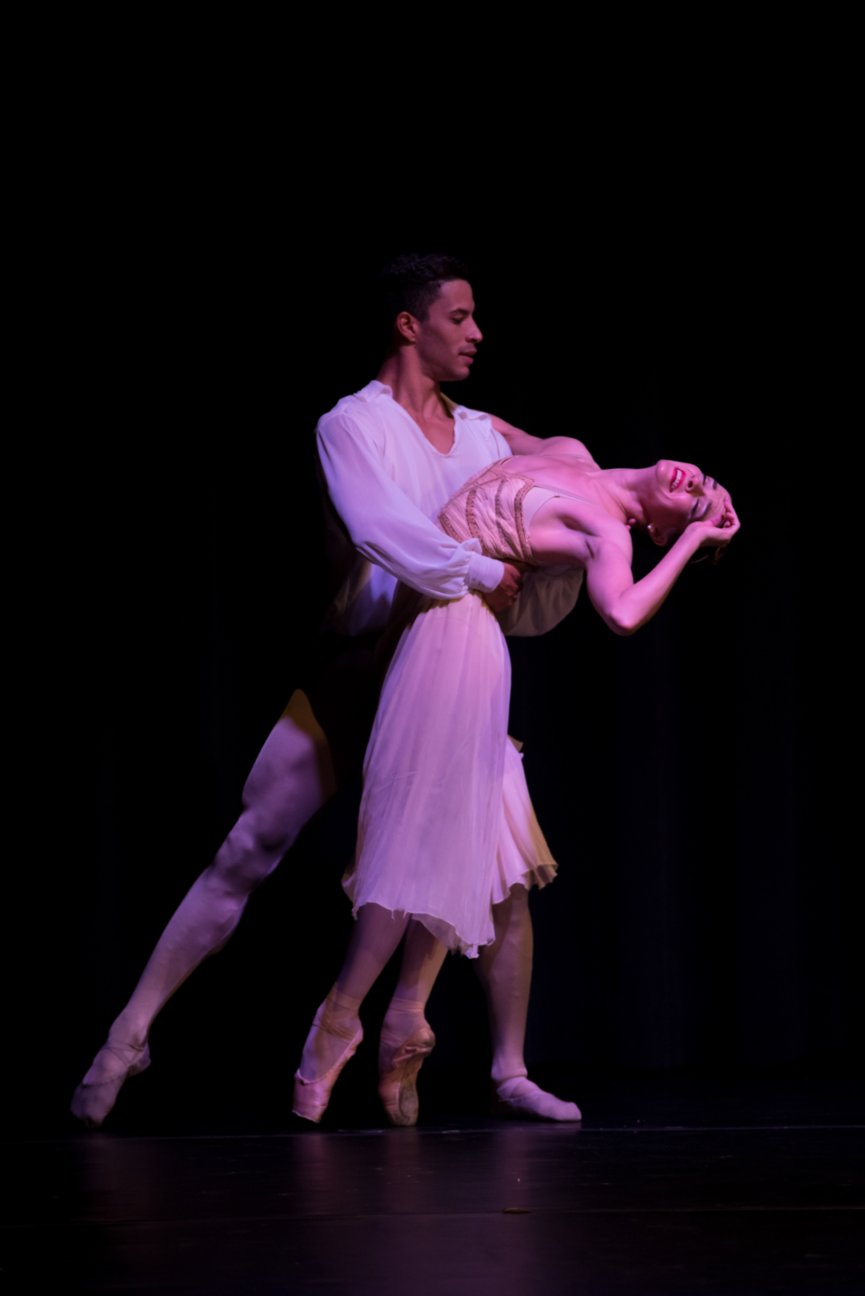 Lily Ojea Loveland and Aaron Melendrez, Ballet Palm Beach, performing Romeo & Juliet, Balcony Pas De Deux