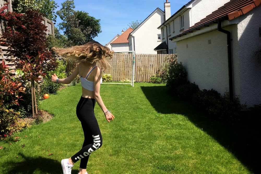 ombré-hair-girl-spinning.jpg