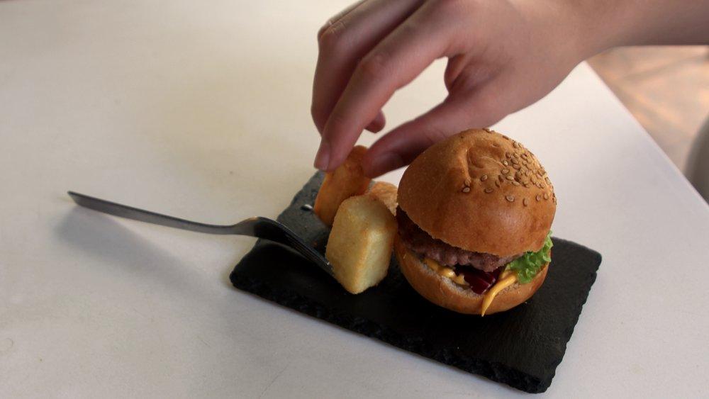 James' mini cheese hamburger and chips