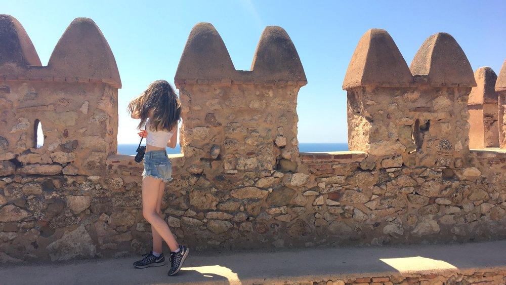 casually admiring the view of Almería from the Alcazaba